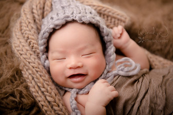 Vancouver newborn photography by Wendy J Photography.