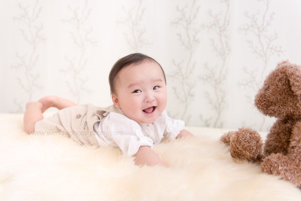 6 month old boy, baby photography by award winning child and baby photographer Wendy J.