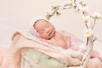 Fine art newborn baby portrait by Wendy J Photography